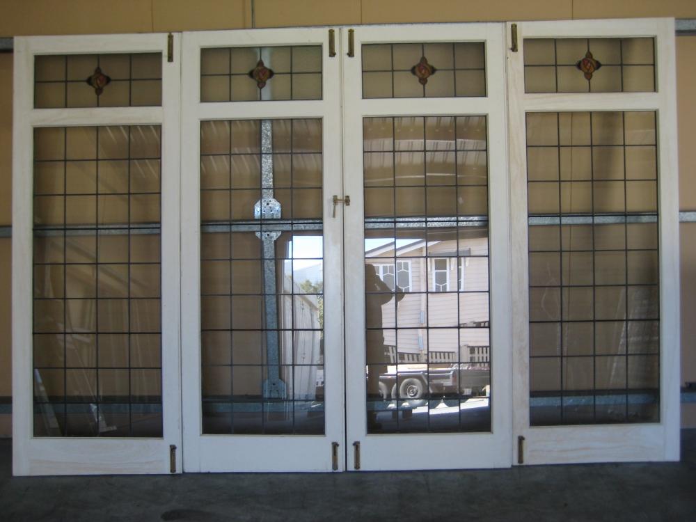 Doors concertina lotus vinyl concertina doors for Concertina doors